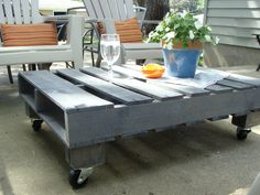 A huge number of recycled pallet table ideas are available which can enhance the beauty of your house too. If you have a pallet wood in your house which is of Wooden Pallet Projects, Wooden Pallet Furniture, Diy Outdoor Furniture, Wooden Pallets, Furniture Ideas, Pallet Ideas, Wooden Boxes, Coffee Table With Wheels, Walnut Coffee Table