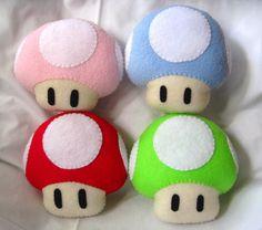 Imagen de http://fc08.deviantart.net/fs70/i/2011/010/a/6/mario_mushroom_plushies_by_p_isfor_plushes-d36w9nd.jpg.