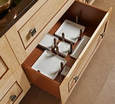 Get the best kitchen storage solutions with us. Discover kitchen storage tips and tricks for your home. Organise your kitchen with these drawers, cabinets. Kitchen Design Open, Best Kitchen Designs, Kitchen Layout, Smart Kitchen, Asian Kitchen, Kitchen Modern, Open Kitchen, Elegant Kitchens, Cool Kitchens