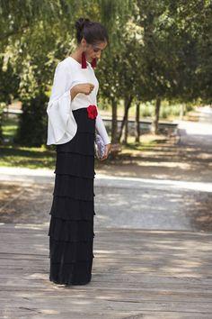 Look invitada de tarde: la falda de volantes   Invitada Perfecta Mother Of The Bride, Lace Skirt, Dress Up, Cute Outfits, Glamour, Gowns, Womens Fashion, Casual, Skirts