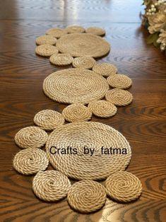 Jute Crafts, Diy Home Crafts, Creative Crafts, Farmhouse Table Runners, Rope Art, Crochet Table Runner, Handmade, Sisal, Ideas