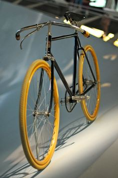 * Mid-1920s Mercedes-Fahrradwerke Bicycle, so beautiful.: