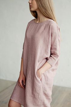 Loose-fit linen dress with three-quarter sleeves. Light and soft linen summer dress. Handmade linen clothing for women. Simple Dresses, Casual Dresses, Casual Outfits, Fashion Dresses, Summer Dresses, Linen Dresses, Cotton Dresses, Beautiful Outfits, Cool Outfits