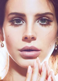 Find images and videos about photography, face and lana del rey on We Heart It - the app to get lost in what you love. Best Beauty Tips, Diy Beauty, Beauty Makeup, Eye Makeup, Beauty Hacks, Hair Makeup, Lanna Del Rey, Elizabeth Woolridge Grant, Famous Faces