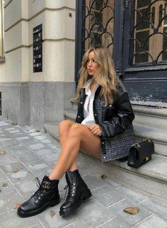 Biker Boots Outfit, Black Boots Outfit, Black Biker Boots, Workwear Fashion, Kpop Fashion Outfits, Edgy Outfits, Fall Outfits, Womens Fashion, Paris Outfits