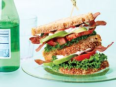 What Makes a Perfect Lunch: Nutrition : Nearly 85 percent of your eat your desk while multitasking, a habit that leaves you feeling less satisfied and more likely to pig out later. So: What makes a perfect lunch? Find out here. Avocado Recipes, Bacon Recipes, Lunch Recipes, Healthy Recipes, Alkaline Recipes, Tofu Recipes, Sandwich Recipes, Vegetarian Recipes, Low Carb Sandwiches