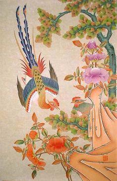 화조도(花鳥圖) 화조도는 꽃과 새가 어우러지고 나비가 나는 아름다운 그림으로 볼 수도 있지만 민화의 대부분은 상징적인 의미를 담고 있다. 부귀와 장수, 벼슬의 승진, 남녀화합 및 다남(多男), 재산이 늘기를 염원하는 마음 등을 소박하게 그린 것이