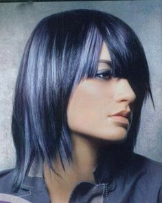 Pictures : Hair Highlights Ideas - Black Hair and Platinum Blonde Highlights Bright Hair Colors, Hair Color Blue, Colored Hair, Color Black, Pelo Color Gris, Blue Hair Highlights, Blue Streaks, Coloured Highlights, Platinum Highlights
