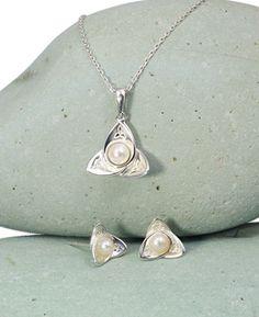 Trinity Knot Pearl Petals Jewelry