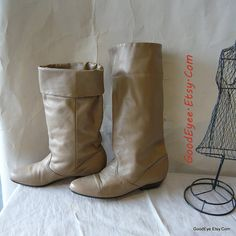 Vintage Leather Cuff Boots Size 8 .5 M Eu 39 UK 6  Flat by GoodEye