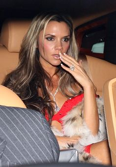 Victoria Beckham Wedding Ring Pink Diamonds Celebrity Engagement Rings And Oval Engagement Rings