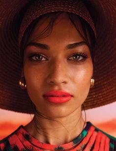 orange lip.