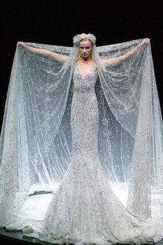 Alexander McQueen wedding dress legit my dream dress. All my loves in one garment! Couture Mode, Style Couture, Couture Fashion, Looks Style, Looks Cool, Look Fashion, High Fashion, Fashion Design, Elie Saab