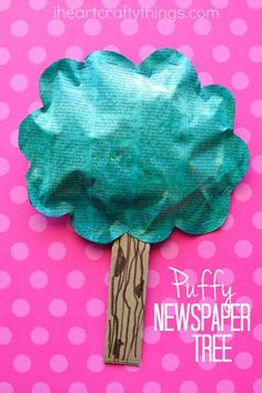 This puffy newspaper tree craft is simple, fun and makes a great Earth Day Craft for kids since it is made from recyclable materials. It also makes a great spring kids craft.