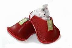 Puj baby booties red