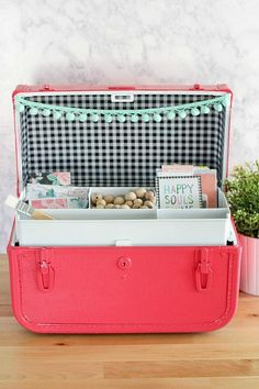 DecoArt Blog - Crafts - Repurposed Vintage Suitcase