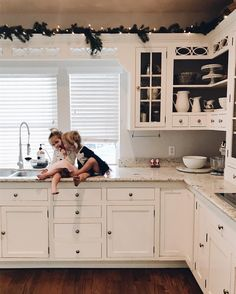 This gorgeous cookspace is the winner of our best kitchen redo in TOH's Search for America's Best Remodel 2015 contest. See the story here. Kitchen Redo, New Kitchen, Kitchen Remodel, Kitchen Dining, Kitchen Cabinets, Cupboards, Sweet Home, Cuisines Design, Home Interior