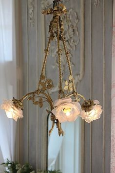 I want chandeliers like this!!!