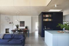 CONTRASTING BOX WITHIN LIVING AREA- Gable House | Clare Cousins Architects