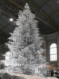 Swarovski Crystal Christmas Tree - OMG!!  My dream Christmas Tree!!