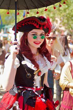 Renaissance Shop Keeper Vest and Top Renaissance Gypsy, Renaissance Fair Costume, Pirate Woman, Pirate Life, Lady Pirate, Diy Costumes, Halloween Costumes, Costume Ideas, Scarborough Fair