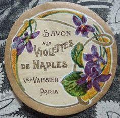 Violettes de Naples Makeup Vintage, Vintage Beauty, Vintage Tins, Vintage Art, Cosmetic Labels, Etiquette Vintage, Perfume Packaging, Tea Design, Tin Art