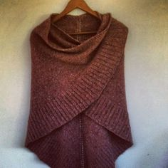 Mara Shawl pattern by Madelinetosh Knitted Poncho, Knitted Shawls, Knit Or Crochet, Crochet Shawl, Shawl Patterns, Knitting Patterns, Knitting Projects, Knit Stockings, Stocking Pattern