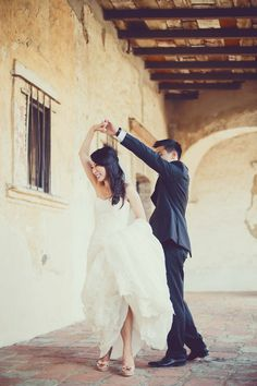 #dancing  Photography: Closer to Love Photography - closertolovephotography.com  Read More: http://www.stylemepretty.com/2013/08/19/san-juan-capistrano-wedding-from-closer-to-love-photography/
