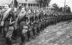 Cadets of the Central Women's Sniper School, Moscow.