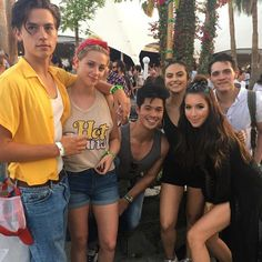 Riverdale!!! Cole Sprouse looks good.