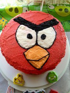 Angry bird cake!