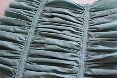Ruched Throw Pillow - Tutorial