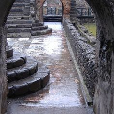 I want to explore the streets of Pompeii and feed my love of history.