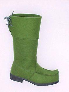Felt lappshoe in green. Töysän kenkätehdas.