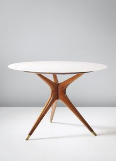 Ico Parisi; Carrara Rosato Marble, Walnut and Brass Side Table for Ariberto Colombo, 1949.