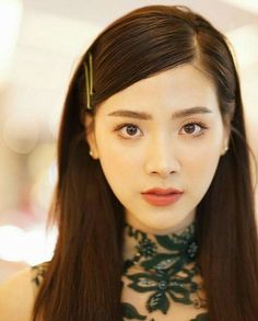 Beautiful Young Lady, Beautiful Asian Girls, Celebrity Hairstyles, Girl Hairstyles, Hair Pale Skin, Asian Makeup, Hair Shows, Beauty Portrait, Ulzzang Girl