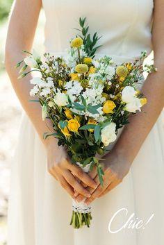 Букет невесты из полевых цветов невыразимо-точно дополнил образ невесты!   #chicwedding #chicwed #chicfw #chicspb #цветыспб #радость #счастье #питер #спб #цветыназаказ #оформление #декорсвадьбы #любовь #декор #свадебнаяфлористика #букет #невеста #букетневесты #свадьба #свадьбаспб #свадьба2015 #молодожены #образневесты #полевыецветы #полевойбукет #природа #рустик #шик