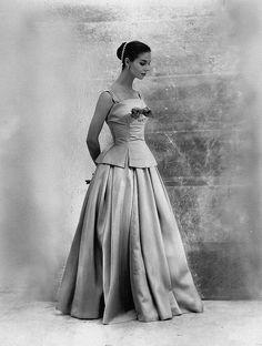 Dior, Paris 1954    'Zemire' evening dress