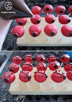 Modern Mommy: Make It Monday: Ladybug Cake Pops Ladybug Cake Pops, Ladybug Cakes, Ladybug 1st Birthdays, First Birthdays, Lady Bug, Miraculous Ladybug Party, Dirt Cake, Cake Pop Stands, Birthday Parties