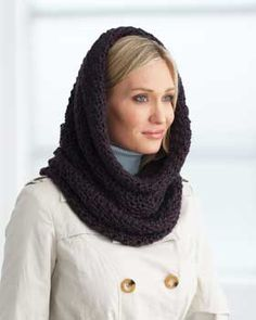 Warm and cozy hooded cowl to crochet in Bernat Alpaca.