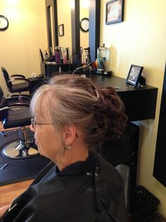 Short hair updo for mother of the bride (Lori Thompson)