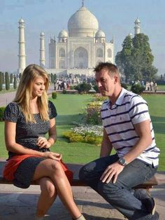 Brett lee with wife at taj mahal
