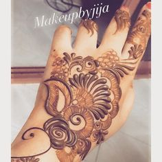 """upclose #henna #hena #mehendi #mhendi #dubai #mydubai #dubai #artist #tattoo #patterns #flowers #girls #cute #wakeupandmakeup #vegas_nay #hudabeauty…"" Mehndi Tattoo, Henna Mehndi, Hand Henna, Arabic Henna Designs, Beautiful Henna Designs, Mehendi, Henna Palm, Mahndi Design, Mehendhi Designs"