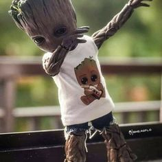Marvel Comics Superheroes, Marvel Art, Marvel Heroes, Deadpool Wallpaper, Avengers Wallpaper, Cute Disney Wallpaper, Cute Cartoon Wallpapers, Baby Groot Drawing, Groot Avengers