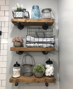 Have a small bathroom room and running out of space to put all of your stuff? We've compiled a list of 15 brilliant bathroom storage ideas baskets that will help you create more space. Decor, Home Remodeling, Diy Bathroom Decor, Small Bathroom Decor, Home Decor, House Interior, Bathrooms Remodel, Bathroom Decor, Rustic House