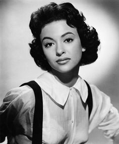 Born 1931 as Rosa Dolores Alverío Marcano in Humacao, Puerto Rican actress, dancer and singer Rita Moreno began her first dancing lessons so. Old Hollywood Stars, Golden Age Of Hollywood, Vintage Hollywood, Classic Hollywood, Vintage Glamour, Vintage Beauty, Puerto Rican Actresses, Divas, Rita Moreno