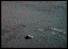 3-D adds depth to tracks on Mars!