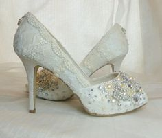 TWINKLY PEEP TOES wedding shoes vintage by everlastinglifashion