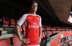 I've got a lot of love for this man. An Arsenal legend, a cult hero. #TR7 #AFC
