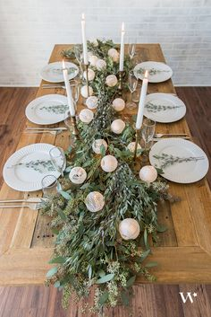 DIY Wedding Wednesday: Well Lit – The Illuminated Table Runner. Can't get enough of this look for a head table.